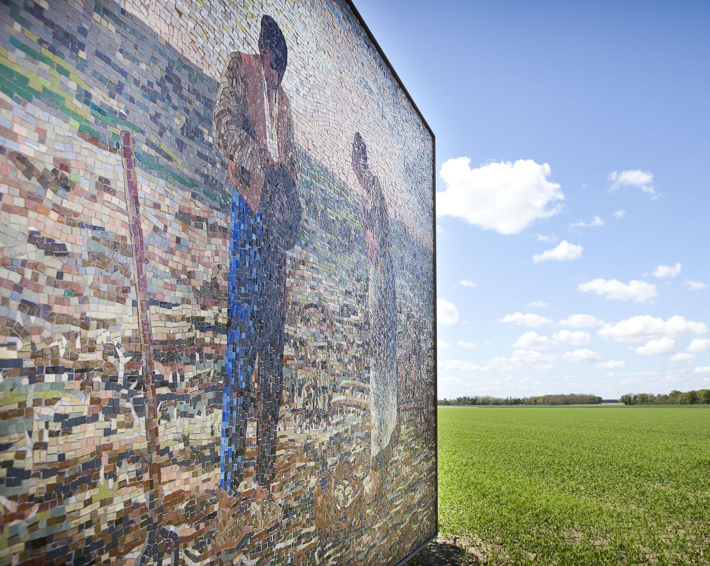 Tableau de mosaïque à l'endroit où a été peint L'Angélus Tableau de mosaïque à l'endroit où a été peint L'Angélus