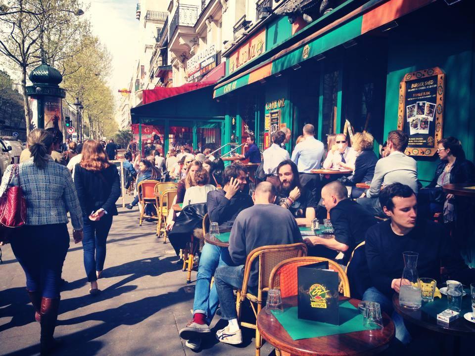 Café OZ Grands Boulevards%252C terrasse%252C  Paris. Bistro Parisien