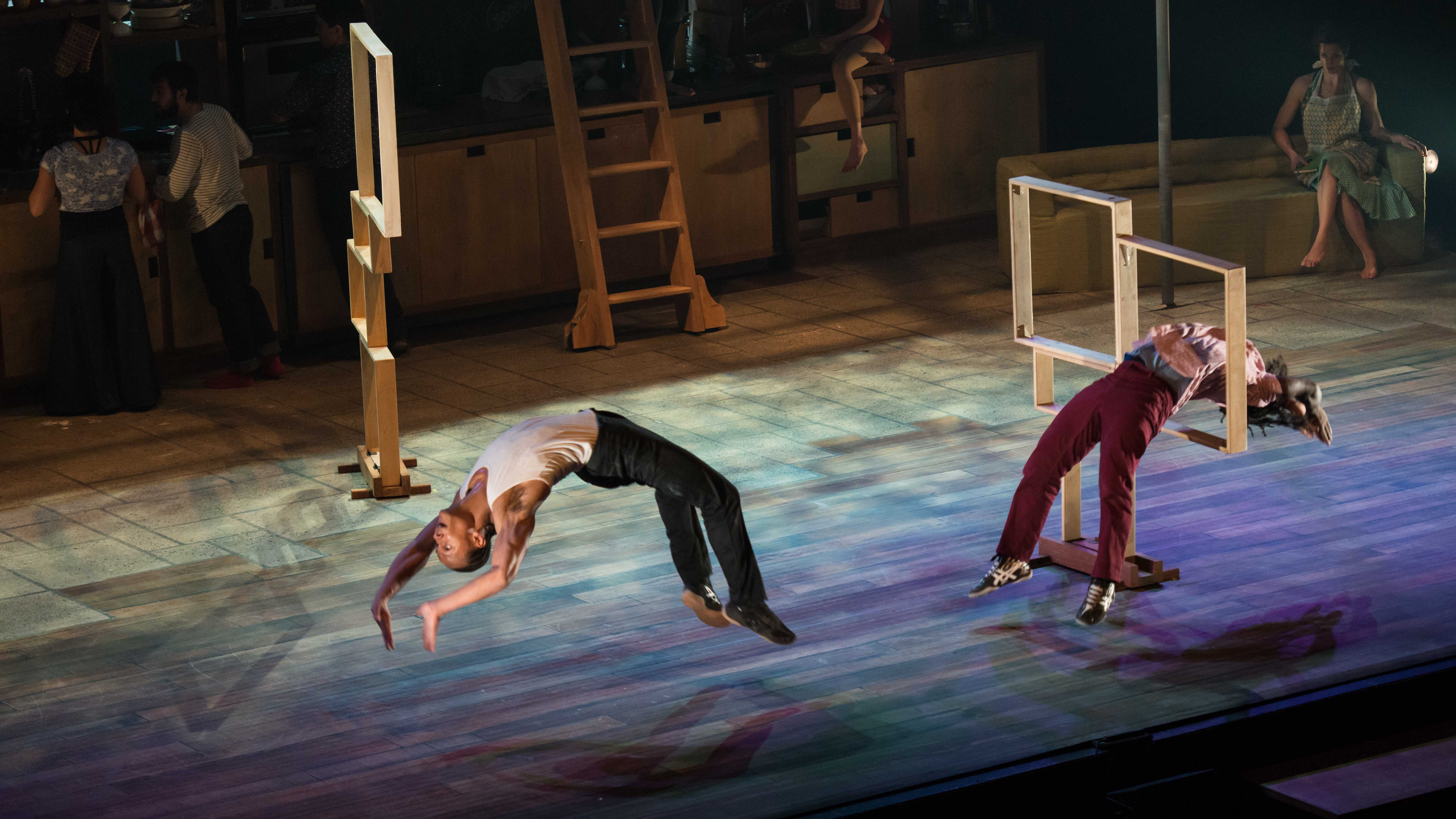 Cirque Les 7 Doigts De La Main Alexandre Galliez