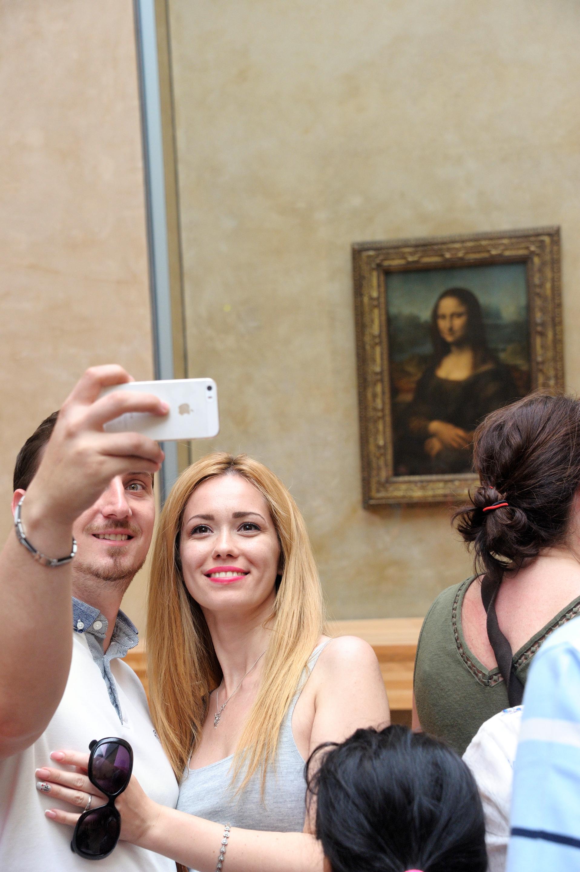 Musée du Louvre%252C salle peinture italienne%252C salle de la Joconde%252C touristes roumains%252C Paris 2017. CRT IDF%252FTripelon-Jarry