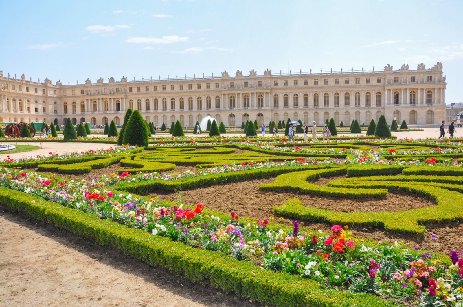 Château de Versailles, jardins à la française, 2011. ©Olga Tselik/Stock Adobe