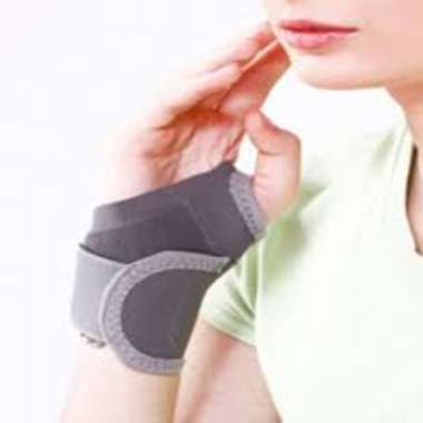 Tynor E-06 Wrist Brace with Thumb Universal