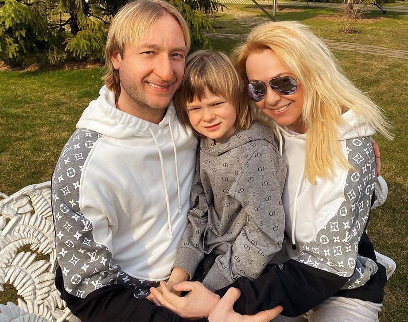 «Влюбилась в него до знакомства»: Рудковская переспала с Плющенко на первом свидании