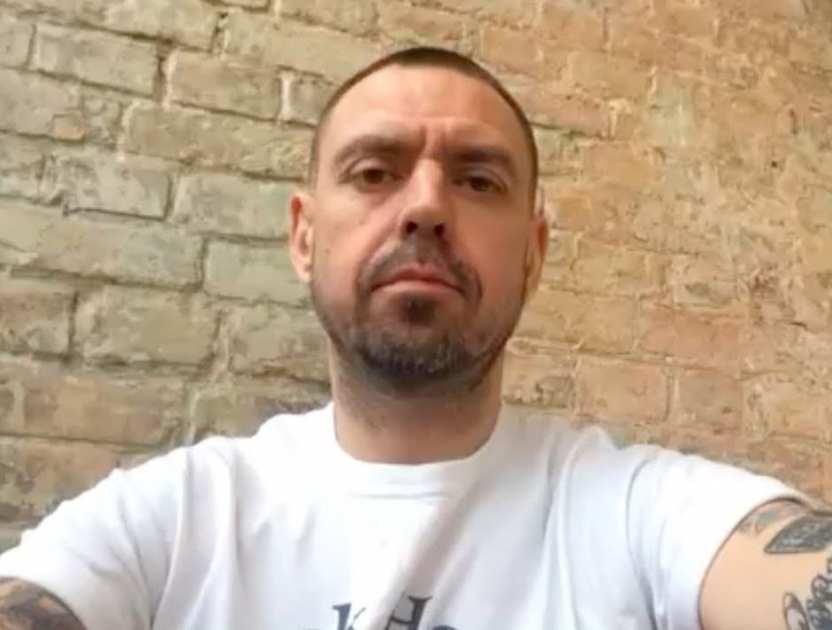 Солист группы «Ляпис Трубецкой» Сергей Михалок избил задремавшего на его концерте фаната