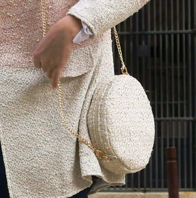 Round bag. Beige and white luxury tweed little shoulder bag. Crossbody bag with removable strap or chain. Round clutch bag with removable wrislet.