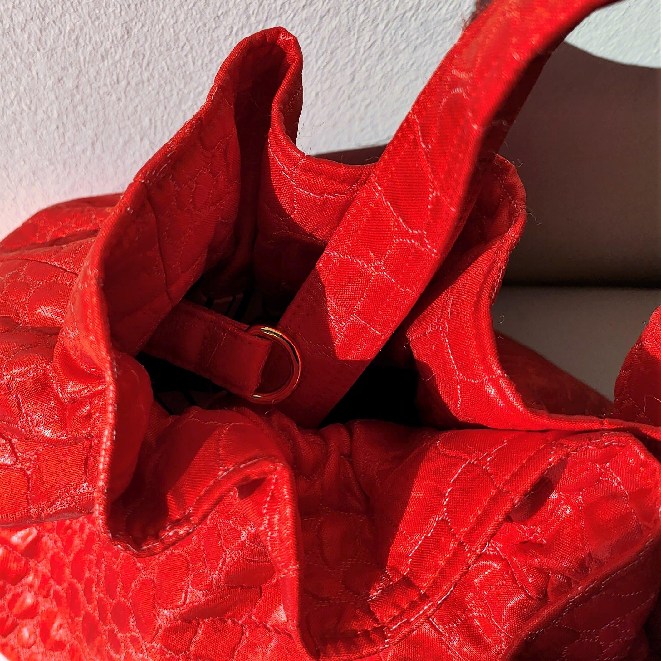 Petit sac à main croco rouge en tissu vintage style années 50. Sac à main lavable avec chaîne amovible, fait main