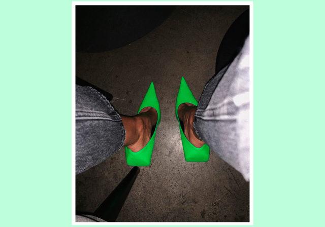 Эти туфли есть у Хейли и Вики Коротковой. Где такие купить?