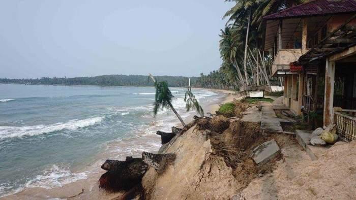 Pantai Lagundri dan Sorake