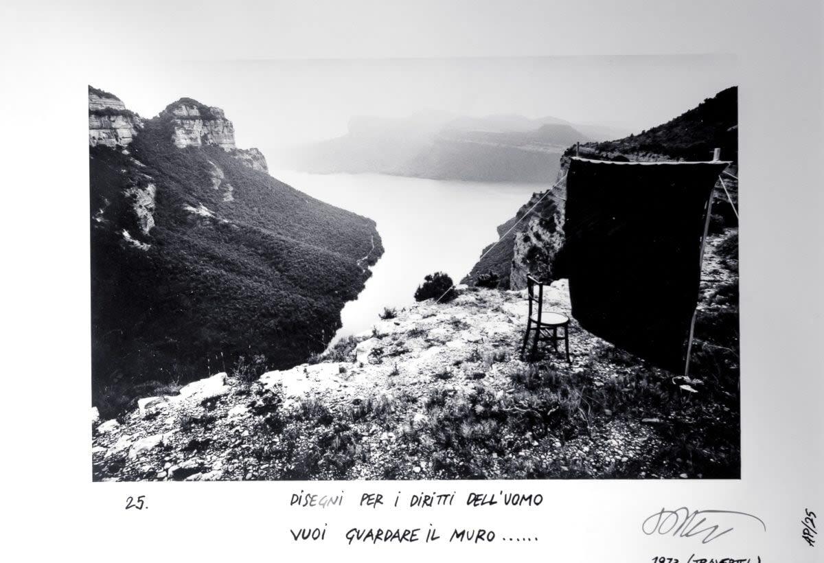 Ettore Sottsass, Disegni per i destini dell'uomo - 25, Vuoi guardare il muro...