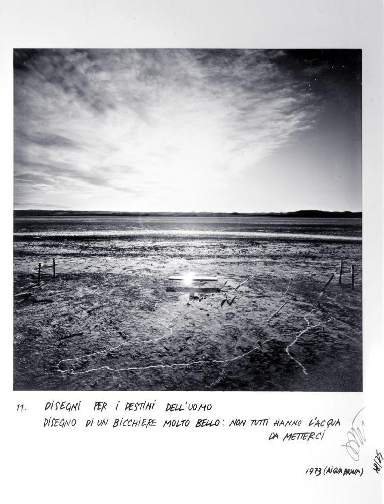 Ettore Sottsass, Disegni per i destini dell'uomo - 11 Disegno di un bicchiere molto bello: non tutti hanno l'acqua da metterci,  1973 (Aigua Brava)