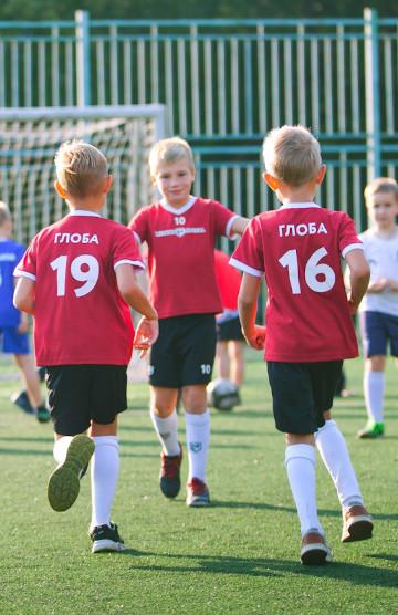 Футбольный клубе для девочек в москве яхт клубы москва адреса
