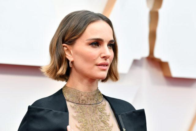 Роуз Макгоуэн обвинила Натали Портман в лицемерии из-за наряда на «Оскаре»