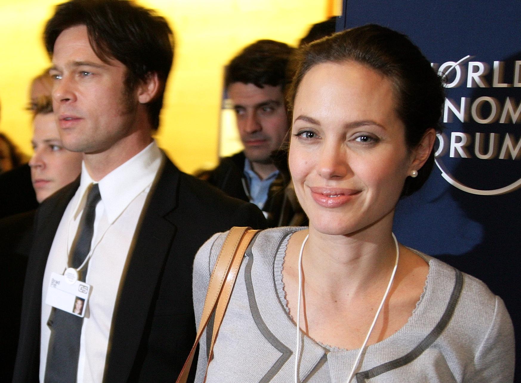 Анджелина Джоли взяла Меган Маркл «под крыло» — СМИ