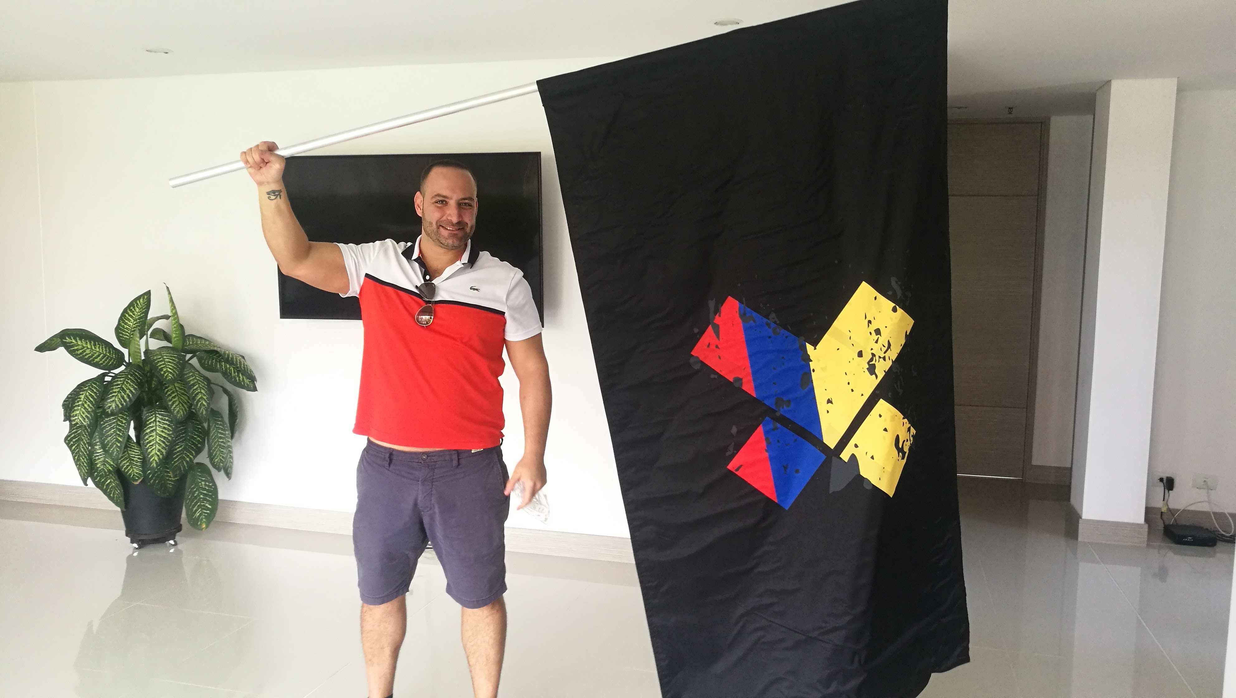 Vanja-X-Flag