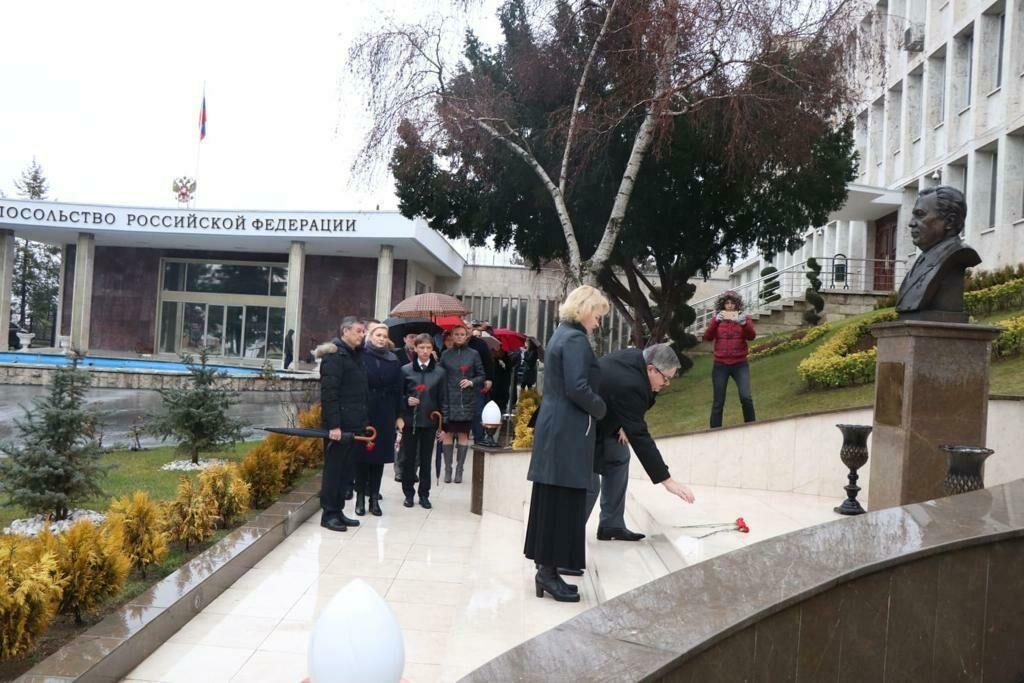российское посольство в анкаре фото занимаемся распиловкой