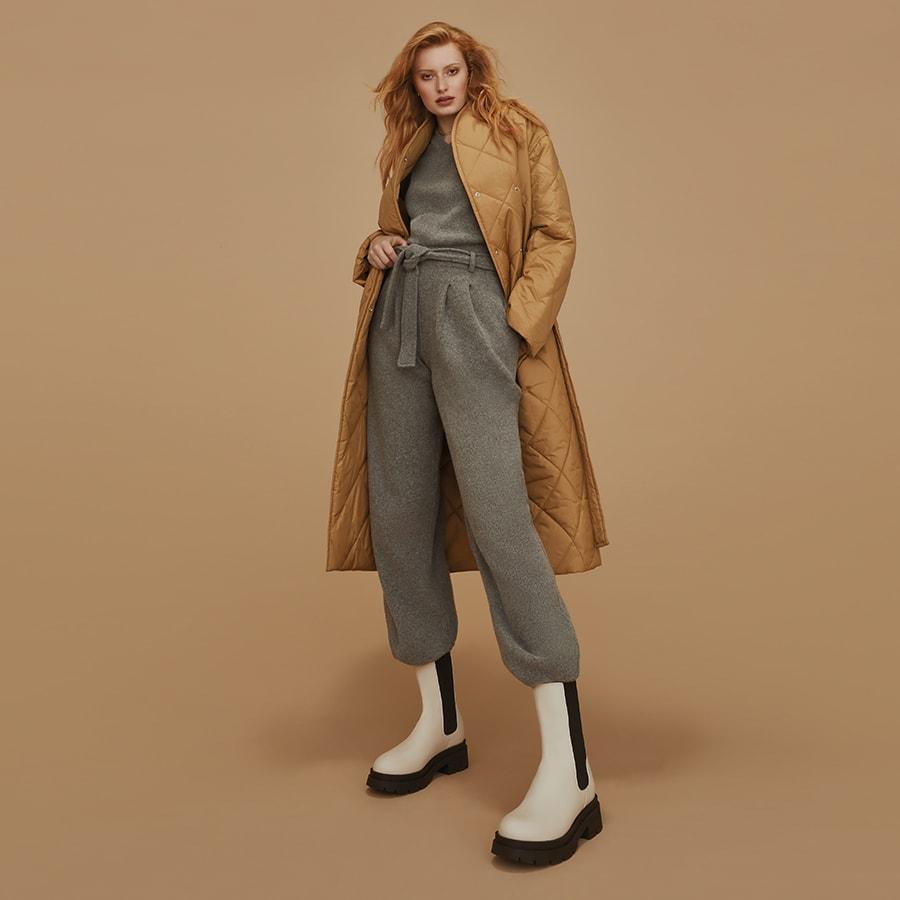 Ecru leather winter boots