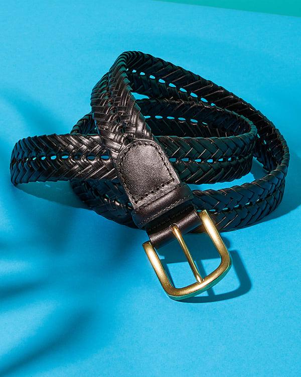 A men's leather woven belt in black
