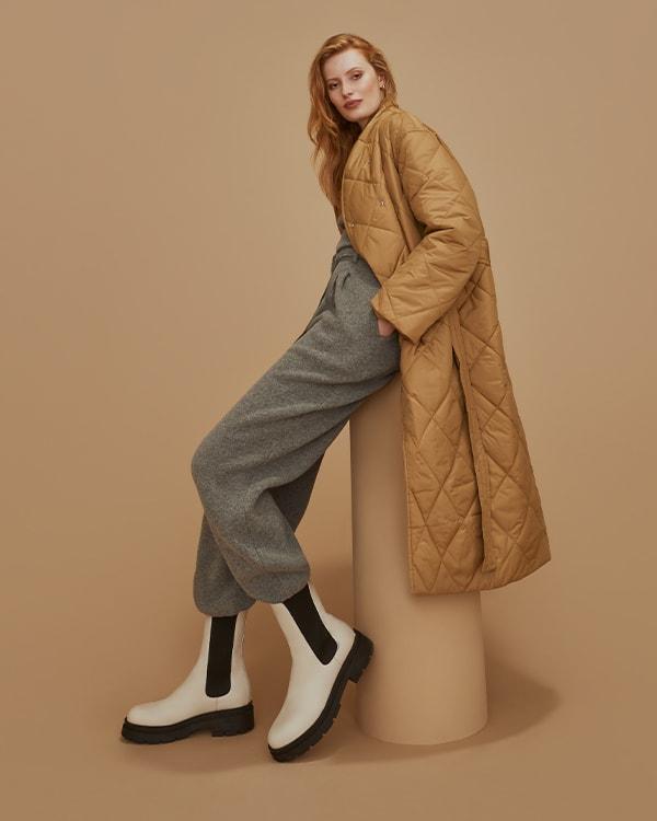 Ecru Leather boots