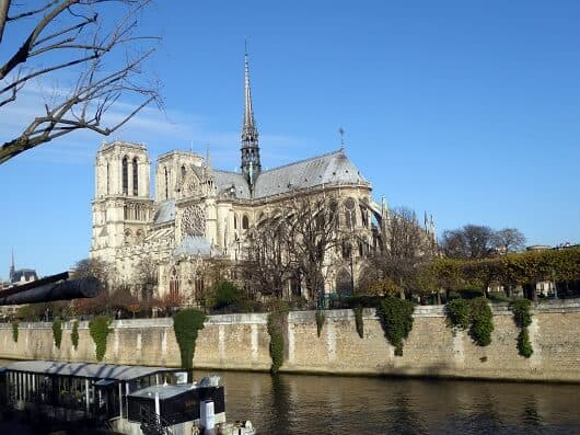 Notre Dame viewed from the location of La Bouteille d'Or restaurant (Photo Credit: http://www.discoverparis.net/)