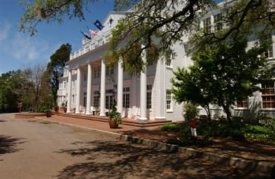 The stately Willcox is one of the country's most highly regarded luxury hotels. Old South charm blended with daring cuisine, great jazz and more than a few celebrities.