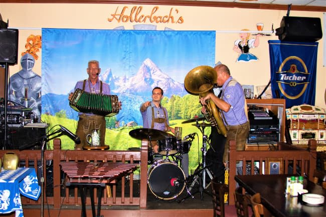Hollerbach's Willow Tree Cafe