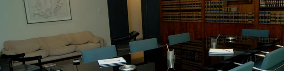 Bhering Advogados background image