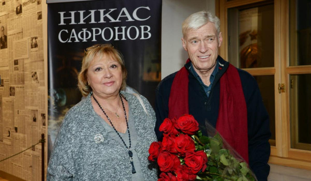 «Некоторые из них имеют виллу в Швейцарии»: супруга российского актера раскритиковала его коллег, жалующихся на нехватку средств