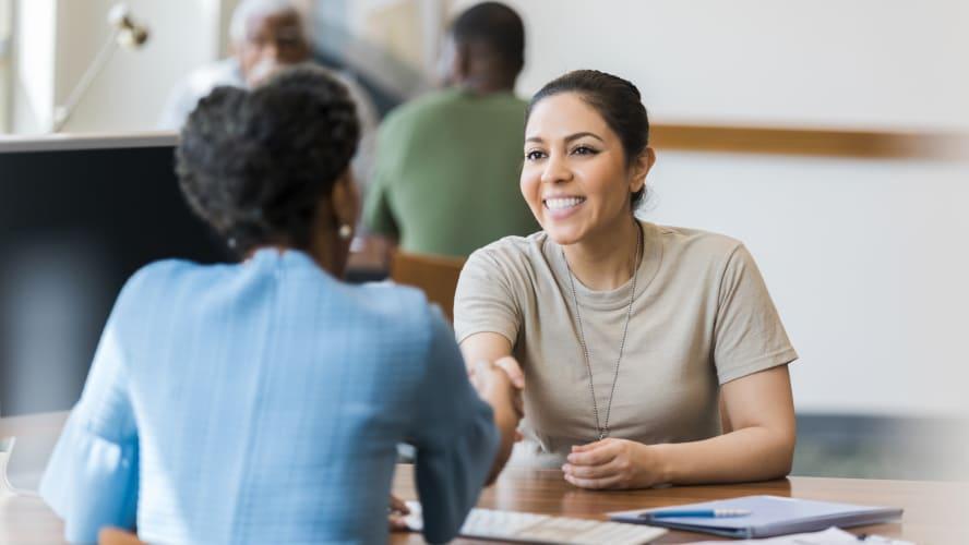 Antecipação de recebíveis ou empréstimo: o que vale mais a pena?