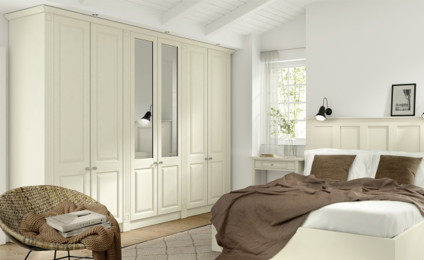 Plain Ivory bedroom picture