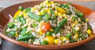 Buğdaylı börülce salatası