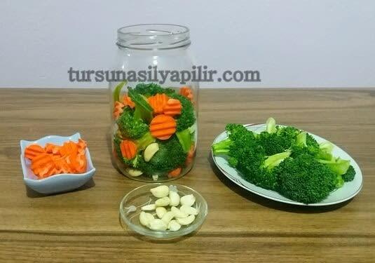 Brokoli turşusu