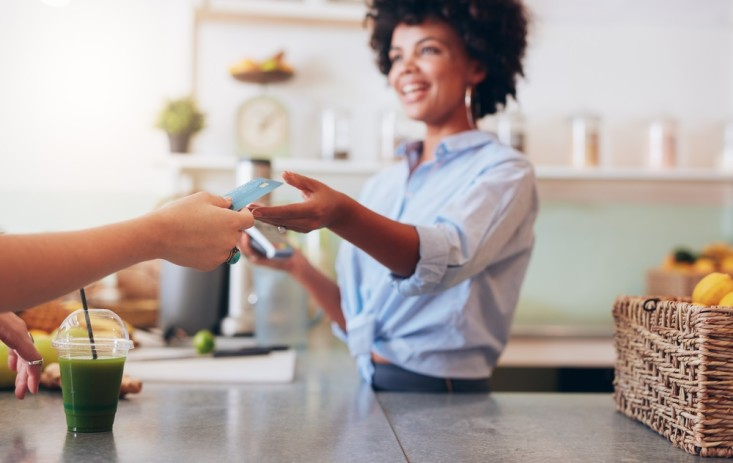 Bankomatkarte Ausland: Bargeldlos bezahlen