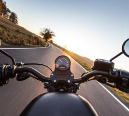 Motorrad auswintern: Tipps für den sicheren Start in die Motorradsaison