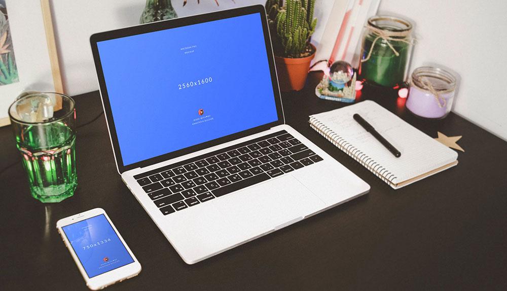 4 Free PSD MacBook + iPhone 6s Mockups Pack