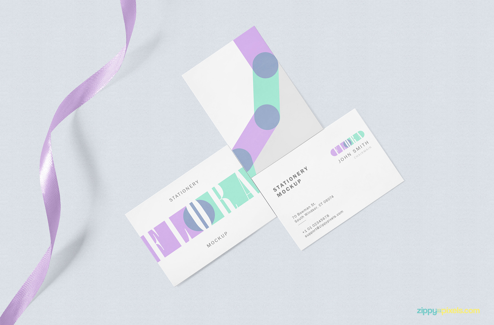 Light Free Business Card Mockup