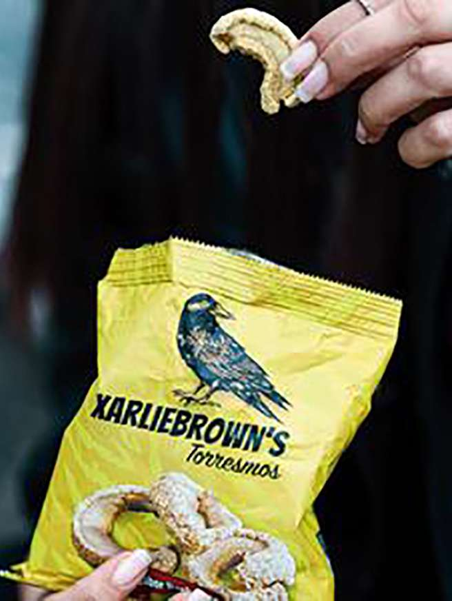 XARLIE Brown's torresmos