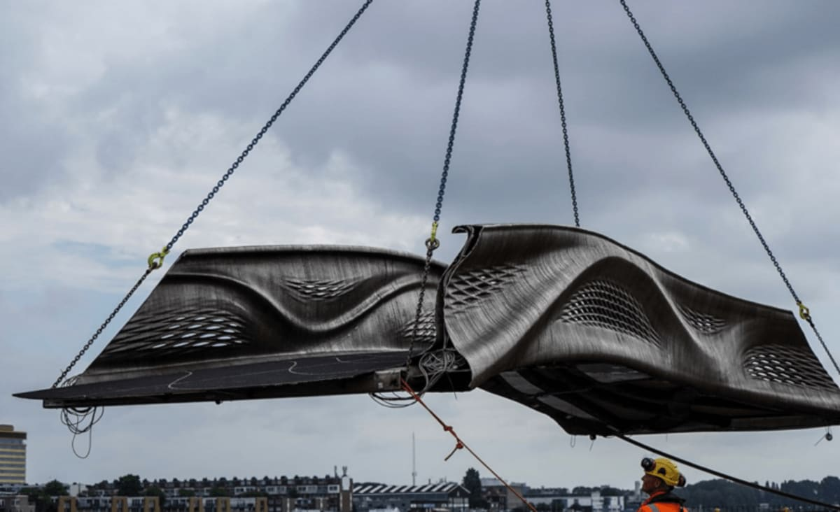 Dutch Startup 3D Prints Bridge With 10,000 Pounds of Stainless Steel