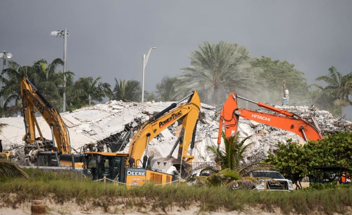 What will happen to the Surfside building collapse site?