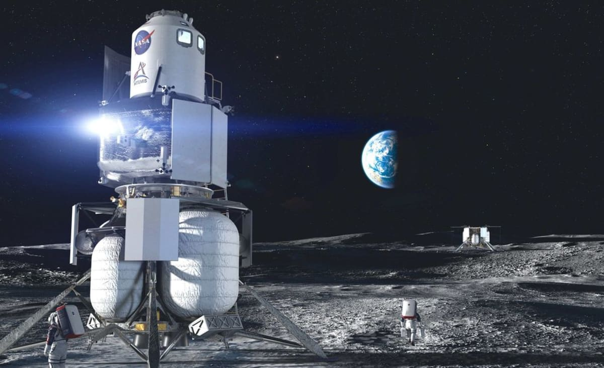 Jeff Bezos, Fresh From Space, Offers to Waive $2 Billion for NASA Moon Contract