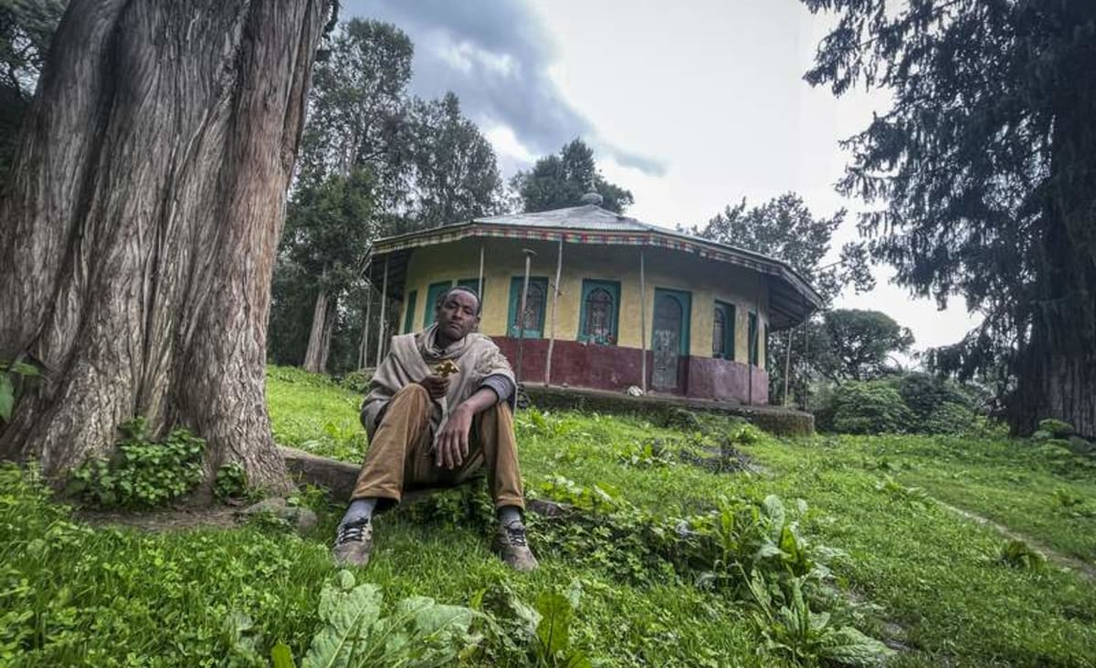 At scene of Ethiopia's new killings, some fight, some flee