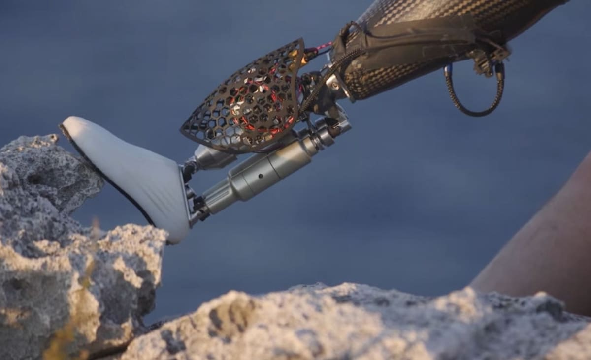 A New MIT Research Center Wants to Meld Humans With Machines