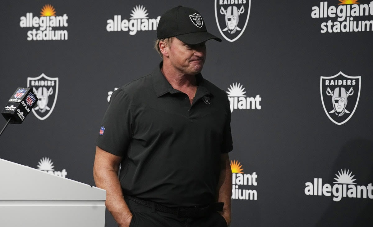 Jon Gruden resigns as Raiders coach after more emails surface