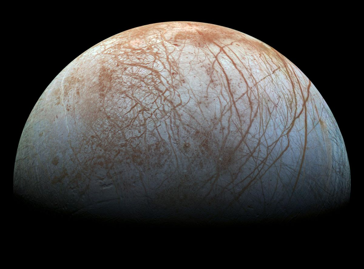 Jupiter's ocean moon Europa may spout water plumes from its icy crust