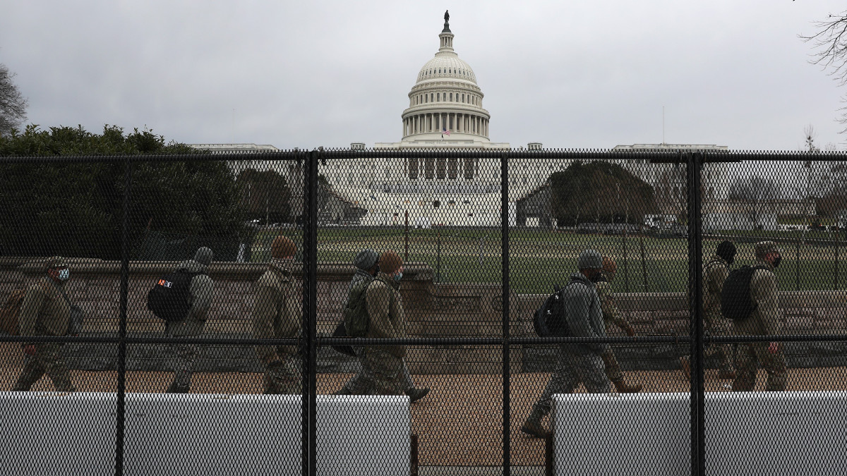 Army Head Says National Guard May Be Allowed to Carry Guns in DC