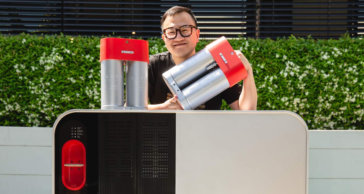 World's First Home Hydrogen Battery Powers Your House for 3 Days, is Recyclable, and Not a Fire Risk