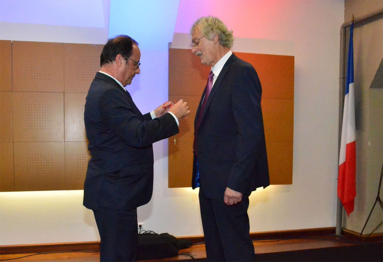 foto de Jean Luc ROUGE awarded by President François Hollande