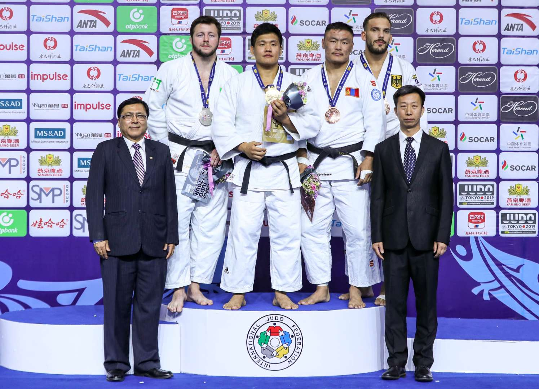 Teen heavyweight KIM shocks Mongolian legend NAIDAN / IJF org