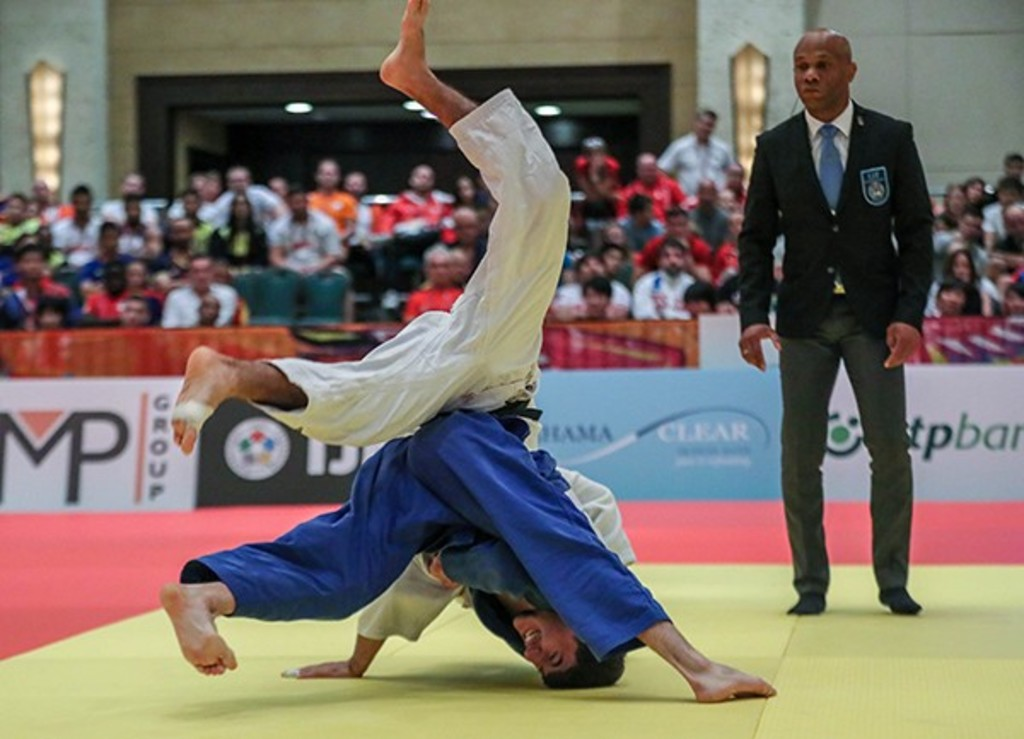 The Tunisian Oumaima Bedioui wins the silver medal in the