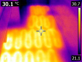 een infraroodbeeld van een vloerverwarming