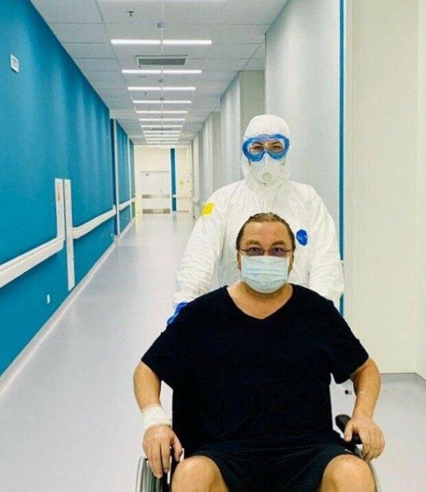 Без усов и в коляске: так сейчас выглядит Игорь Николаев